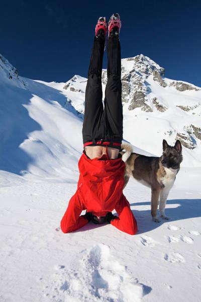 Endurance Wall Art - Photograph - A Fit Hiker Preforms A Head Stand by Christopher Kimmel