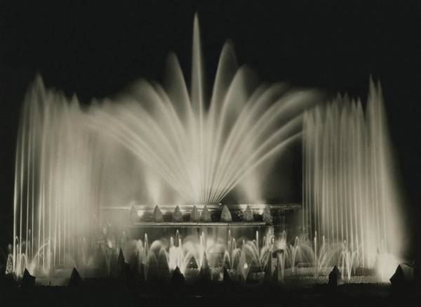 Illuminated Photograph - A Fountain At Monte Carlo Beach by John McMullin