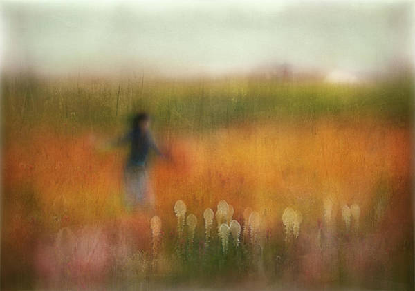 Painterly Photograph - A Girl And Bear Grass by Shenshen Dou