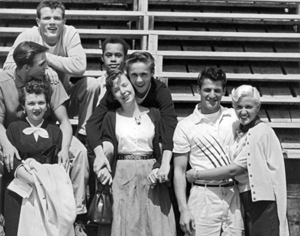 Photograph - A Group Of 1950s Teens by Bob Berg
