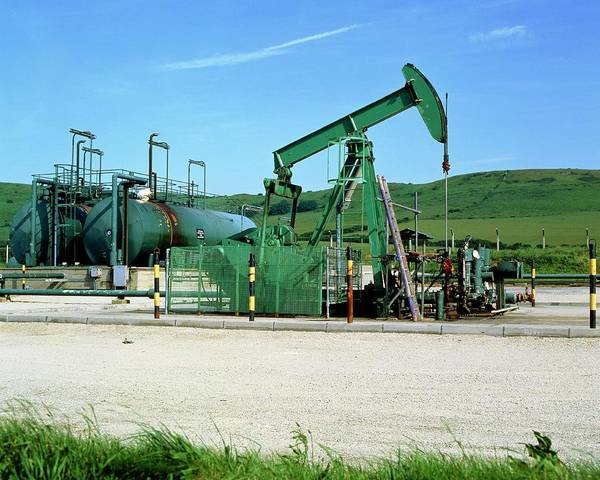 Pump Photograph - A Jack Pump Used For Oil Extraction by Martin Bond/science Photo Library
