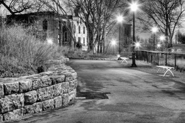 Roosevelt Island Wall Art - Photograph - A Lonely Night by JC Findley