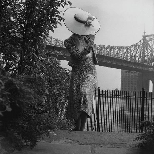A Model In Front Of The 59th Street Bridge Art Print