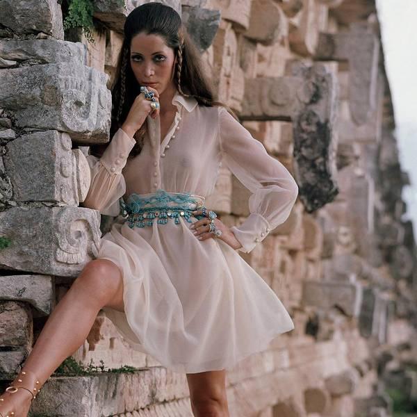 Yucatan Wall Art - Photograph - A Model Wearing A Harold Levine Dress by Henry Clarke