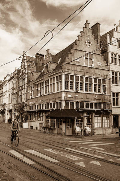 Gent Wall Art - Photograph - A Morning In Ghent by W Chris Fooshee