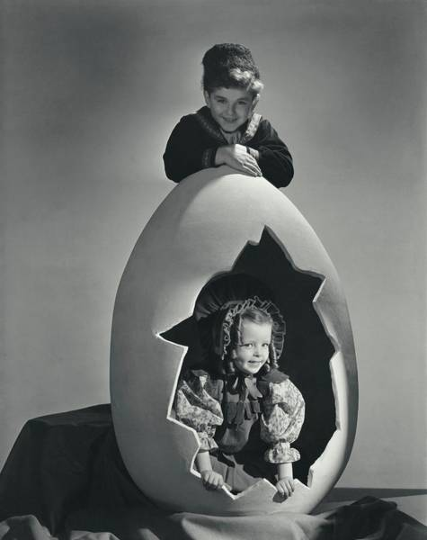 Old People Photograph - A Portrait Of Lorna Lynn Meyers And Howard by Horst P. Horst