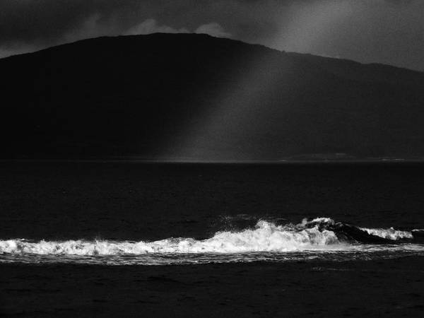 Photograph - A Quiet Wave by Phil Darby