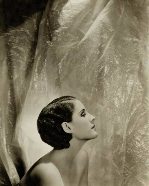 Norma Wall Art - Photograph - A Side View Of Norma Shearer by Cecil Beaton