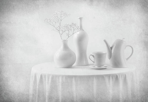 Table Photograph - A White Dream by Margareth Perfoncio
