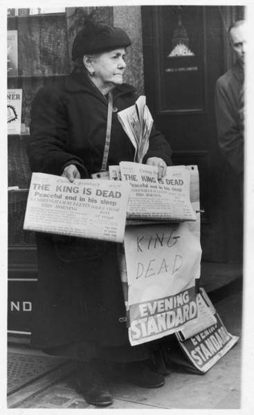 Wall Art - Photograph - A Woman Sells The Evening  Standard by Mary Evans Picture Library