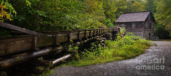 Mingus Mill Photograph - A Working Grist Mill by Cindy Tiefenbrunn