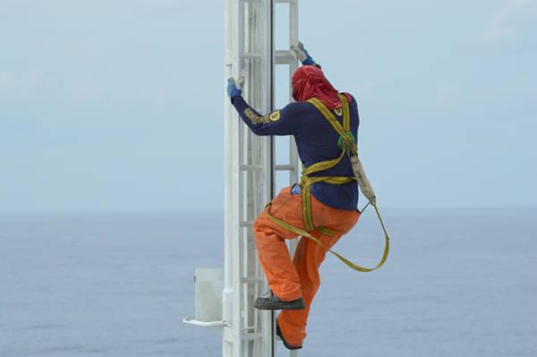 Photograph - Ab Climbing A Mast by Bradford Martin