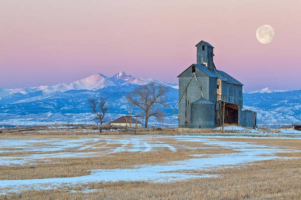 Wall Art - Photograph - Abandon Grain Mill At Sunrise As The Moon Sets On The Mountains by Ronda Kimbrow