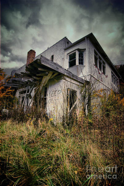 Abandonment Photograph - Abandoned Hotel Hdr by Amy Cicconi