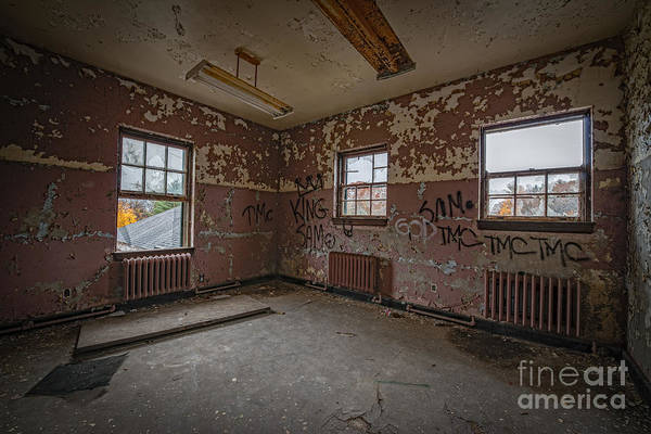 Urbex Wall Art - Photograph - Abandoned Room At Letchworth by Michael Ver Sprill