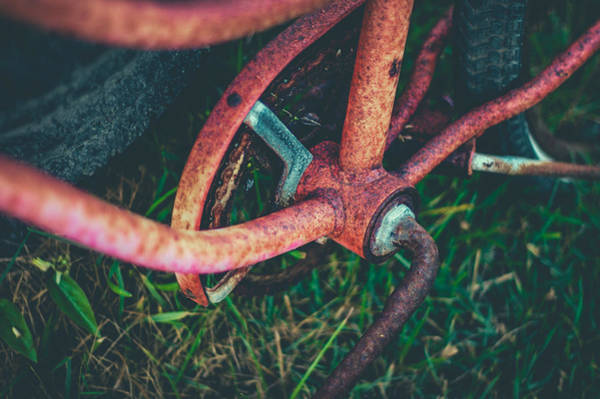 Rusty Chain Photograph - Abandoned Rusty Bike by Mr Doomits