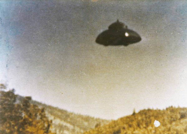 Wall Art - Drawing - Adamski-type Ufo Allegedly by Mary Evans Picture Library
