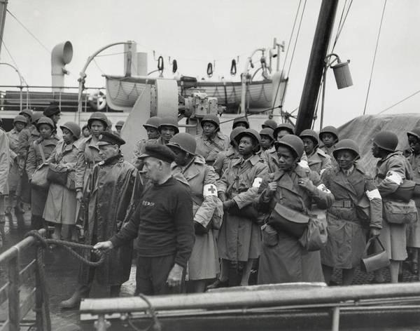 Wall Art - Photograph - African America U.s. Army Nurses Arrive by Everett
