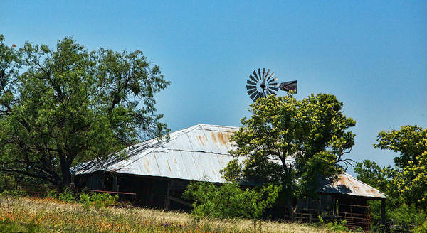 Rood Wall Art - Photograph - Aged Texas Barn by Linda Phelps