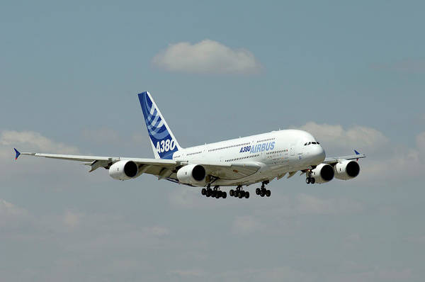 Airbus A380 Wall Art - Photograph - Airbus A380 Landing by Science Photo Library