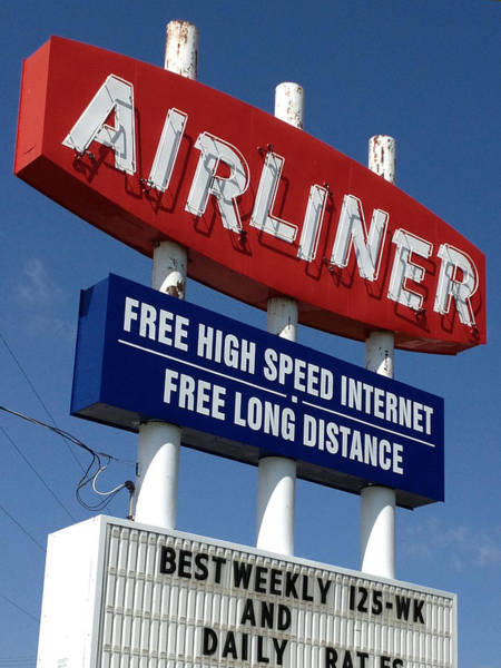 Photograph - Airliner Motel by Rod Seel