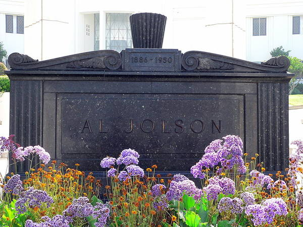 Photograph - Al Jolson Grave by Jeff Lowe