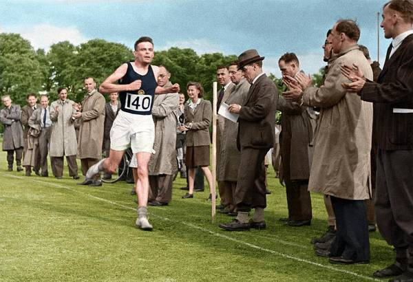 Wall Art - Photograph - Alan Turing Finishing A Race by National Physical Laboratory Crown Copyright/science Photo Library. Coloured By Science Photo Library