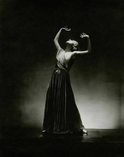 Grecian Photograph - Alanova Posing In A Grecian-style Gown by George Hoyningen-Huene