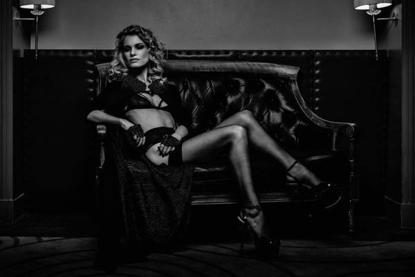 Couch Wall Art - Photograph - Alexia En Noir by Mike Kreiten