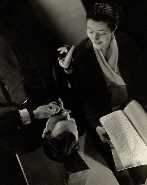 Gesture Photograph - Alfred Lunt And Lynn Fontanne by Edward Steichen