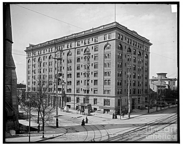 Photograph - Algonquin Hotel by Russell Brown