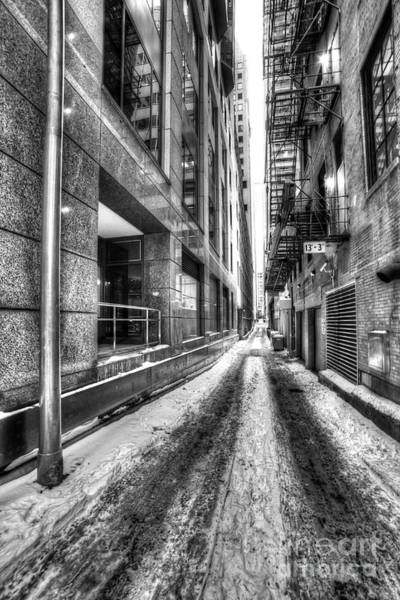 Loop Photograph - Alley In Chicago by Twenty Two North Photography