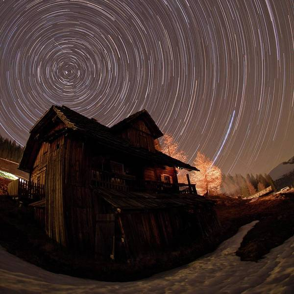 Star Track Wall Art - Photograph - Alpine Lodge And Star Trails by Babak Tafreshi/science Photo Library