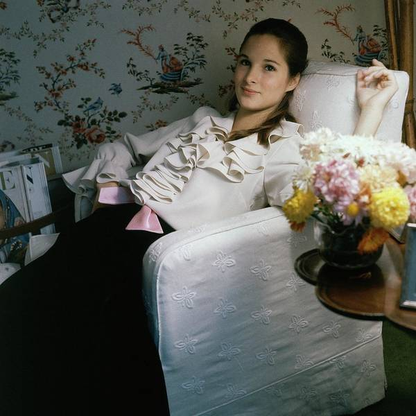 Photograph - Amanda Burden Sitting In A Chair by Horst P. Horst