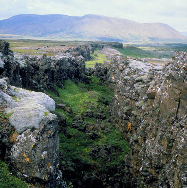 Continental Divide Photograph - American And European Tectonic Plates by Simon Fraser/science Photo Library