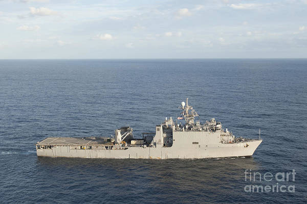 Wall Art - Photograph - Amphibious Dock Landing Ship Uss Pearl by Stocktrek Images