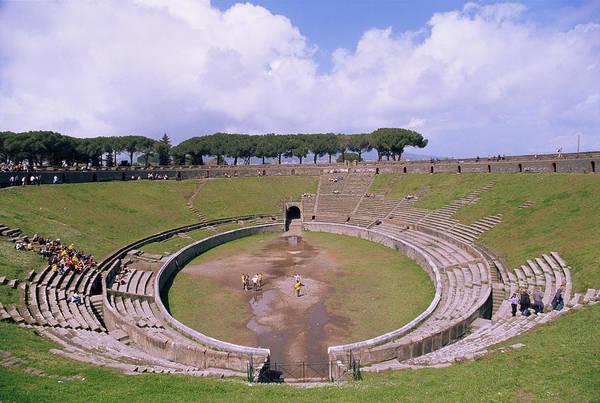 Pasquale Photograph - Amphitheatre Ruins by Pasquale Sorrentino/science Photo Library
