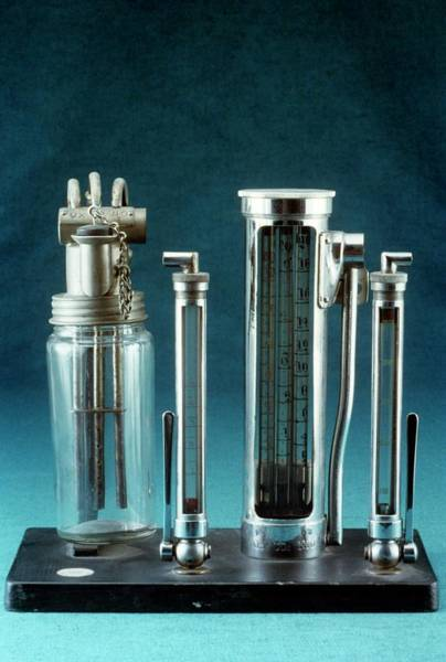 History Of Science Wall Art - Photograph - Anaesthetic Gas Flow Meter by Science Photo Library