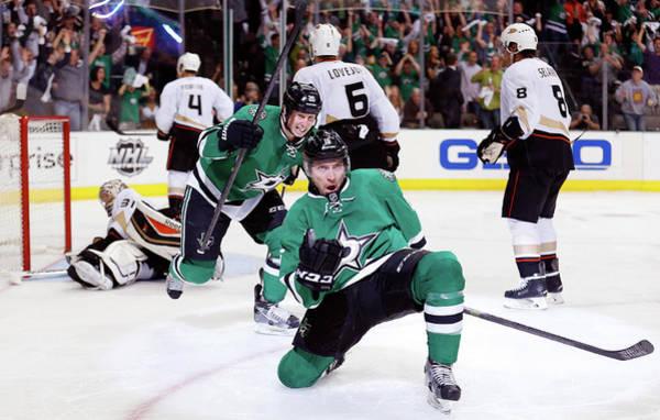 Stanley Cup Playoffs Photograph - Anaheim Ducks V Dallas Stars - Game by Tom Pennington