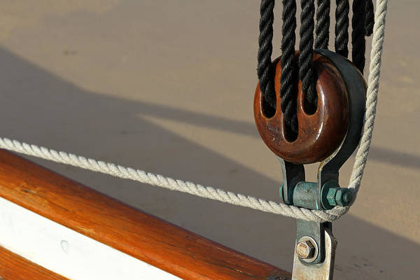 Photograph - Ancient Wooden Sailboat Deadeye And Ropes  by Juergen Roth