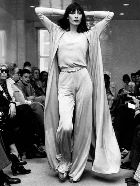 Runway Model Photograph - Angelica Huston Models by Underwood Archives