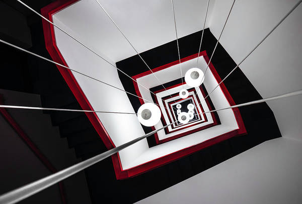 Perspective Wall Art - Photograph - Angular In(n)side by Mike Kreiten
