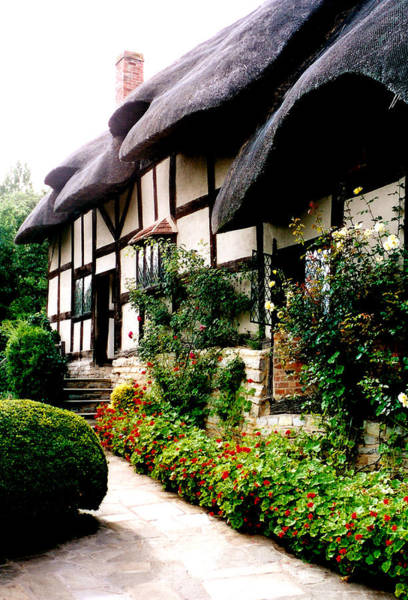Photograph - Anne Hathaway's Cottage by Kathryn McBride