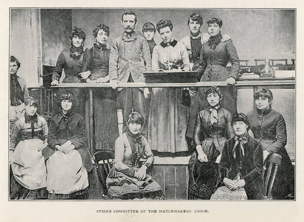 Wall Art - Photograph - Annie Besant And The Committee by Mary Evans Picture Library