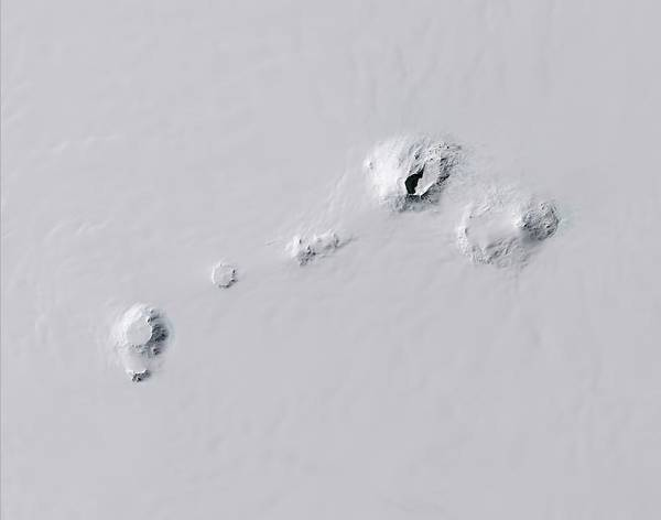 Wall Art - Photograph - Antarctic Volcanoes by Nasa Earth Observatory/usgs/science Photo Library