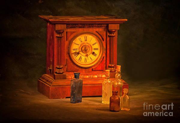 Photograph - Antique Wooden Clock by Les Palenik