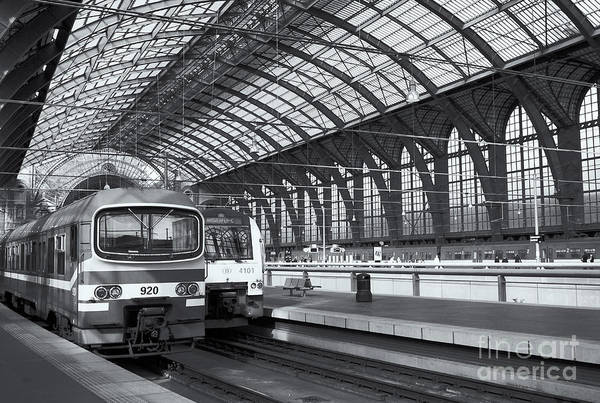 Photograph - Antwerp Central Station II by Clarence Holmes