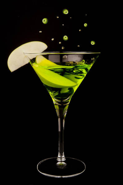 Cocktail Lounge Photograph - Apple Martini Splash by Richard ONeil
