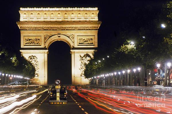 Photograph - Arc De Triomphe by Granger