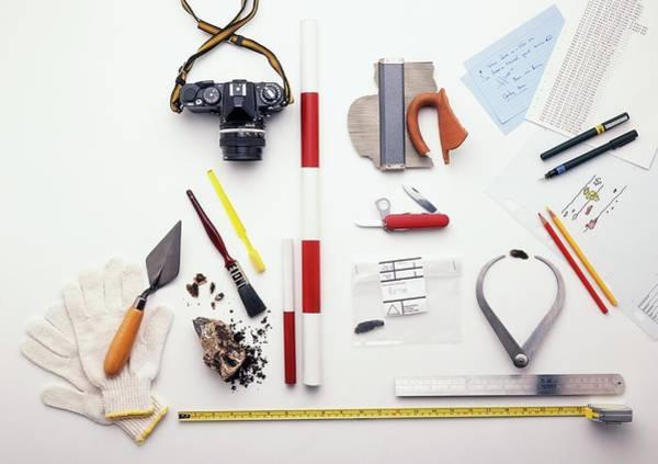 Trowel Photograph - Archaeology Equipment by Dorling Kindersley/uig